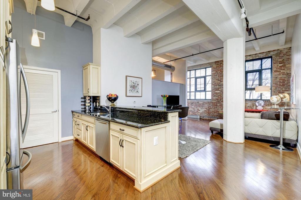 Open kitchen - 1701 KALORAMA RD NW #206, WASHINGTON