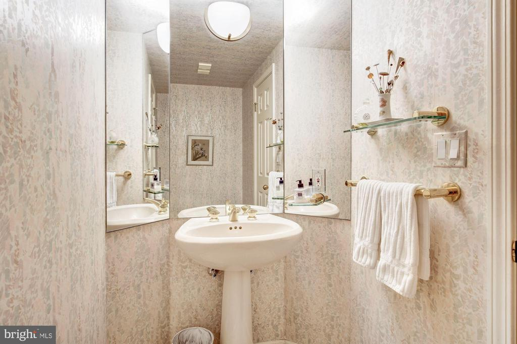 Powder room off of foyer - 5600 WISCONSIN AVE #1408, CHEVY CHASE