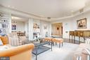 Oversized living room with built-in shelves - 5600 WISCONSIN AVE #1408, CHEVY CHASE