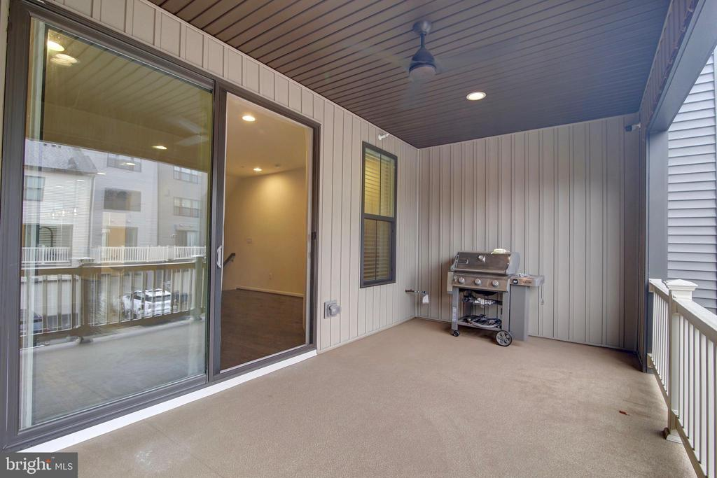 Covered Balcony -comes with stainless steel grill! - 43400 THREE FORKS TER, ASHBURN