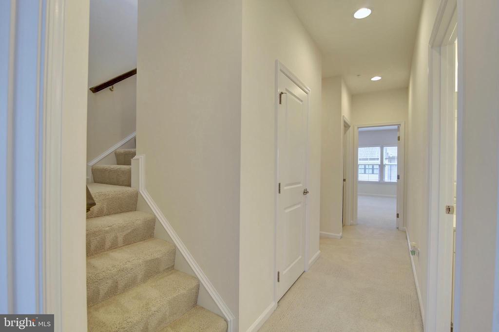 3rd floor hallway - 43400 THREE FORKS TER, ASHBURN