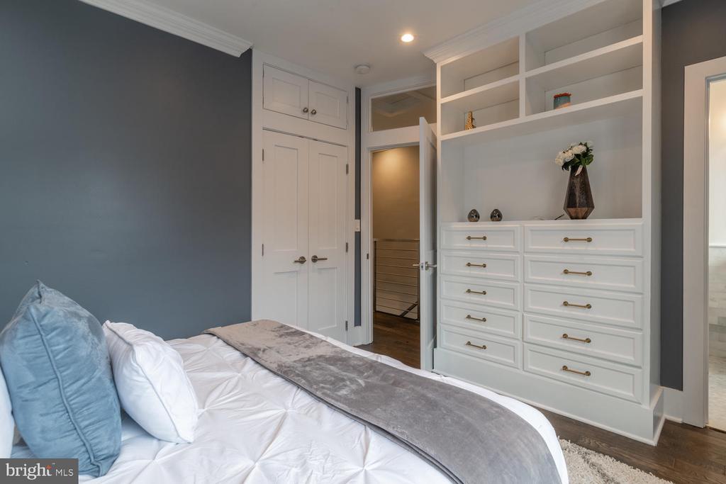 Master Suite - 1421 NORTH CAROLINA AVE NE, WASHINGTON