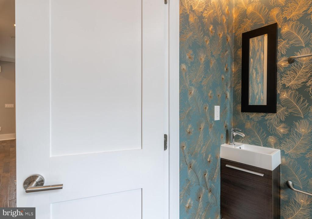 Powder Room - Main Level - 1421 NORTH CAROLINA AVE NE, WASHINGTON