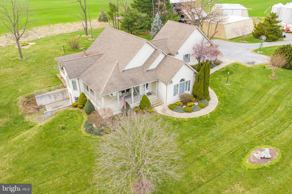 This stunning home, - 1007 PEMBROKE WAY, CHARLES TOWN