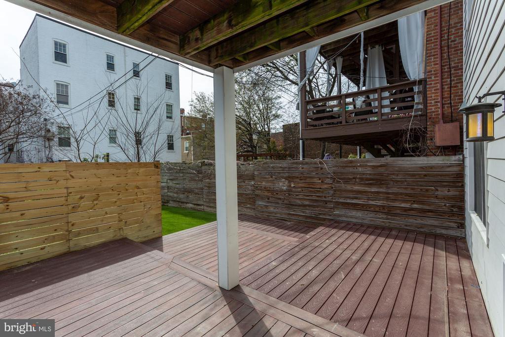 Expansive 21x18 deck off kitchen. - 420 RIDGE ST NW, WASHINGTON