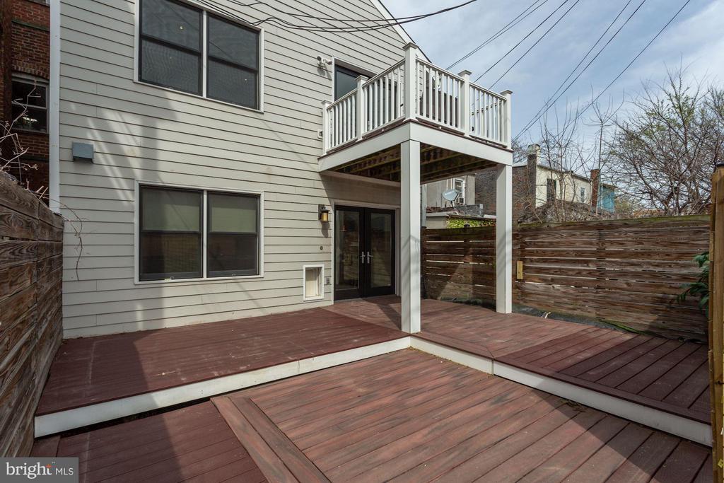Outdoor space on all three floors. - 420 RIDGE ST NW, WASHINGTON