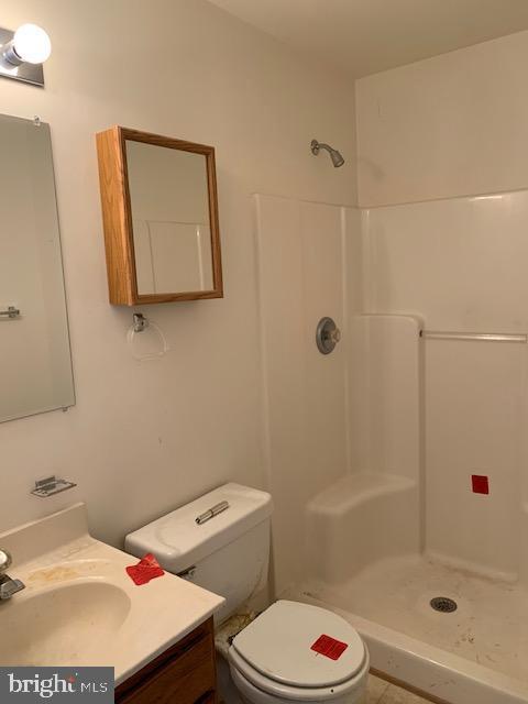 2nd bathroom (Hall bath) - 2614 RUFFIN DR, FREDERICKSBURG