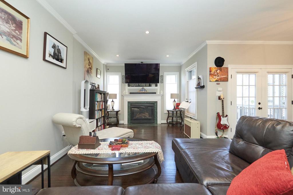 Family room - 8932 ATATURK WAY, LORTON