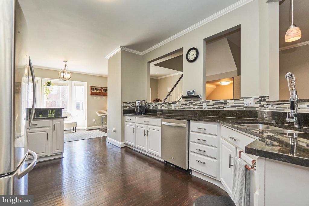 Kitchen view to living room - 8932 ATATURK WAY, LORTON