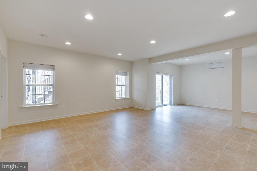 Rec Room with Walk Out - 107 THOMPSON CT, WINCHESTER
