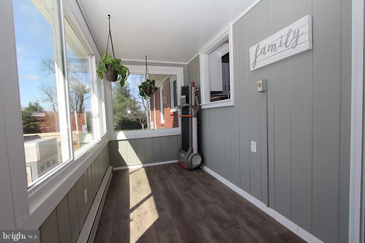 Alt view of sunroom - 11833 PURCELL RD, LOVETTSVILLE