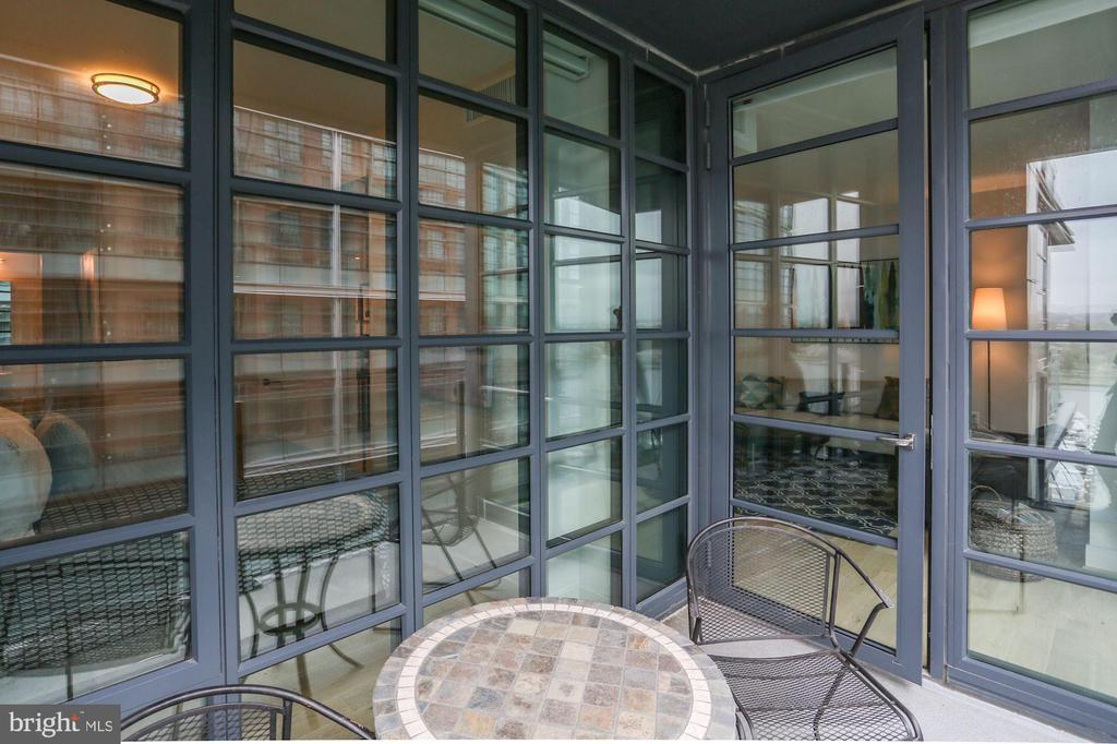 Enjoy coffee, meals, or happy hour on your balcony - 45 SUTTON SQ SW #704, WASHINGTON