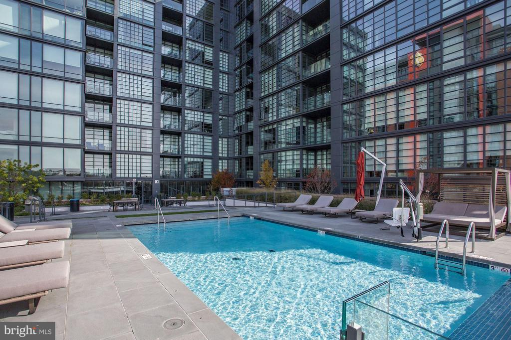 Resort-style living at The Wharf - 45 SUTTON SQ SW #704, WASHINGTON