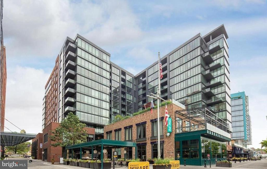 Welcome to VIO Luxury Waterfront living! - 45 SUTTON SQ SW #704, WASHINGTON