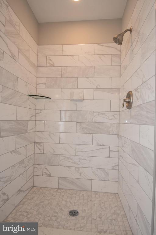 Master bath - 7 PHILLIPS DR NW, LEESBURG