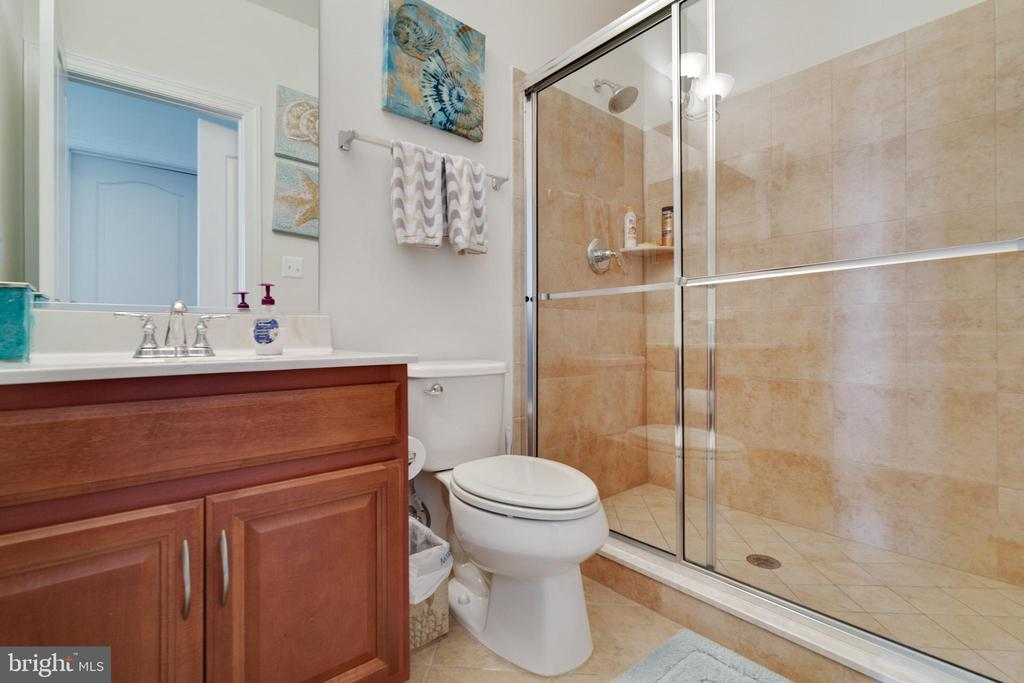In-Law Suite Bathroom - 4507 BRIDLE RIDGE RD, UPPER MARLBORO