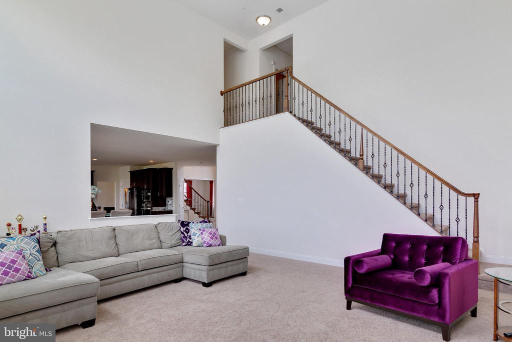 2 Story Family Room - 4507 BRIDLE RIDGE RD, UPPER MARLBORO