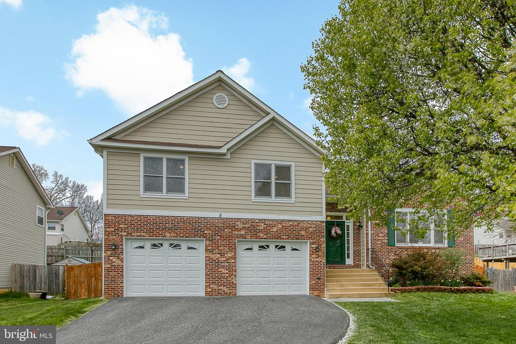 Welcome Home! - 5 EMERSON CT, STAFFORD