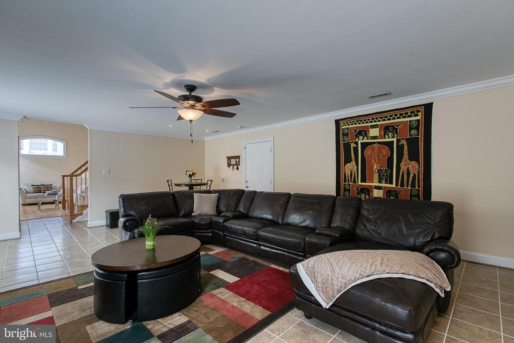 Family room - 5 EMERSON CT, STAFFORD