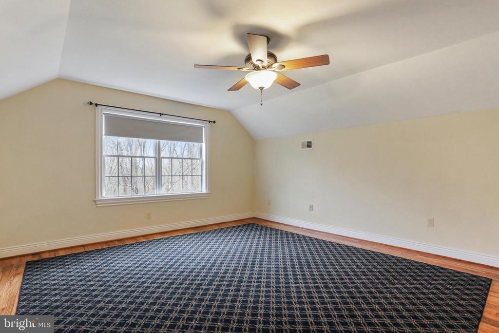 Bedroom 5 on the upper level, excellent space - 2375 BALLENGER CREEK PIKE, ADAMSTOWN