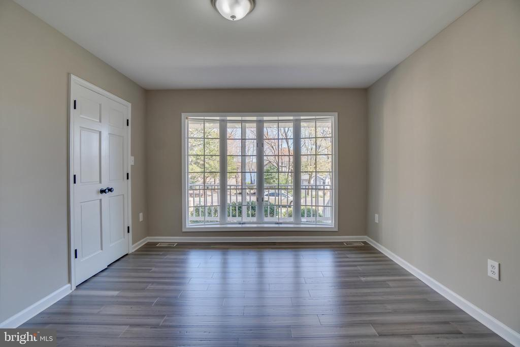 Second Bedroom with Waterviews!!! - 401 CORNWALLIS AVE, LOCUST GROVE