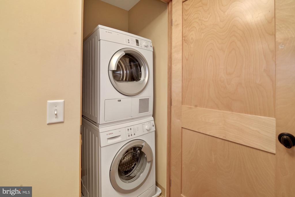 Stacked Washer & Dryer - 9610 DEWITT DR #PH412, SILVER SPRING