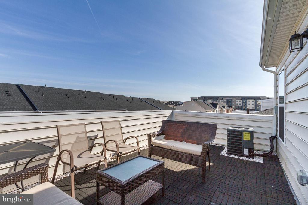 Rooftop terrace - 13411 WATERFORD HILLS BLVD, GERMANTOWN