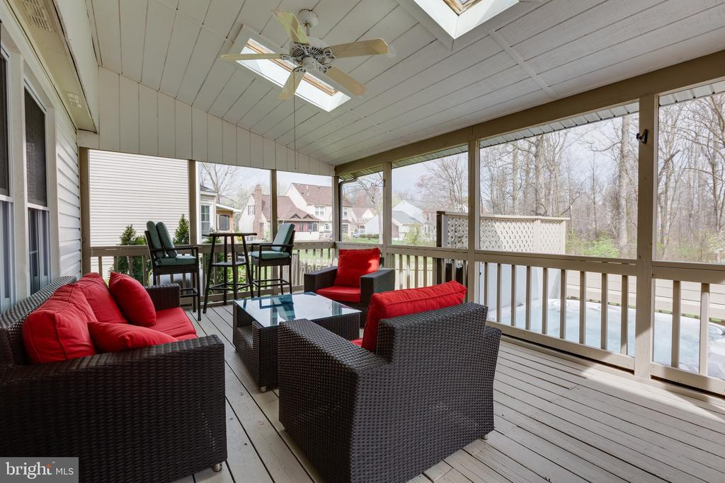 - 5 CRISSWELL CT, STERLING