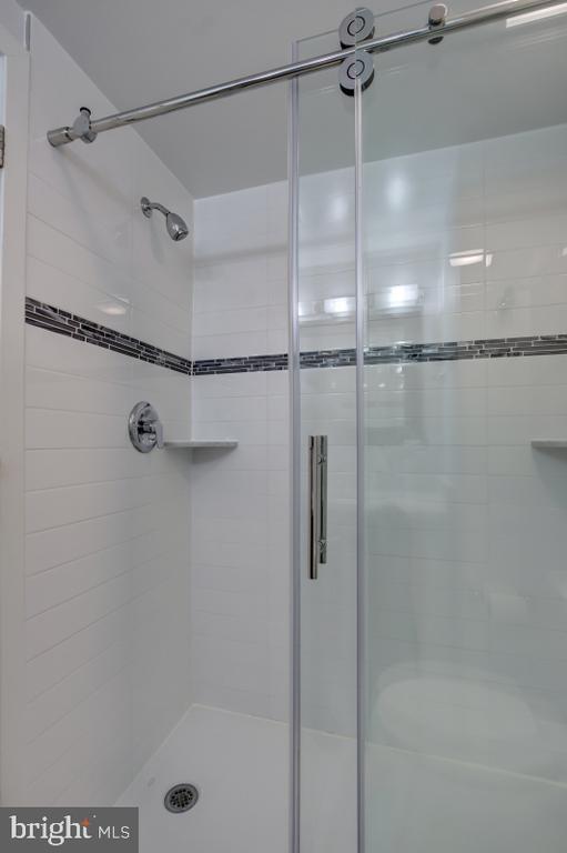Lovely large shower - 2114 N ST NW #21, WASHINGTON
