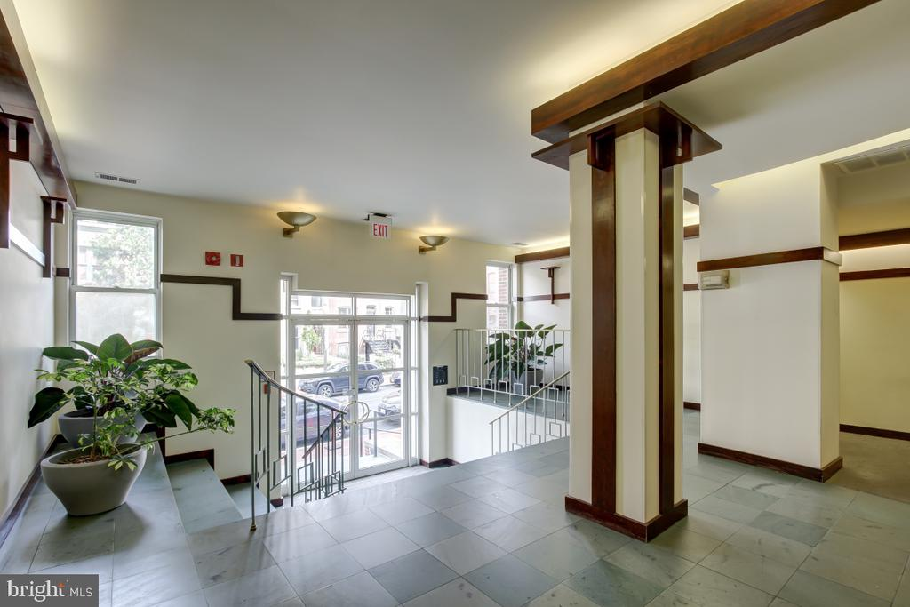 Building Entrance - 2114 N ST NW #21, WASHINGTON