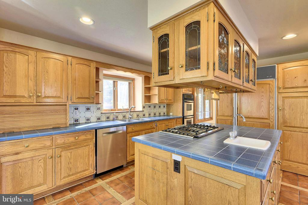 Stainless appliances, gas cooking - 41635 STUMPTOWN RD, LEESBURG