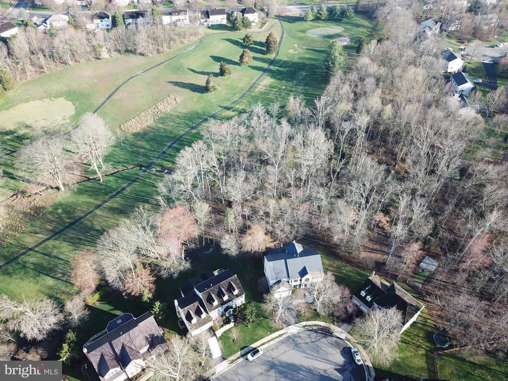Backs to conservancy lot and open space - 1439 HARLE PL SW, LEESBURG