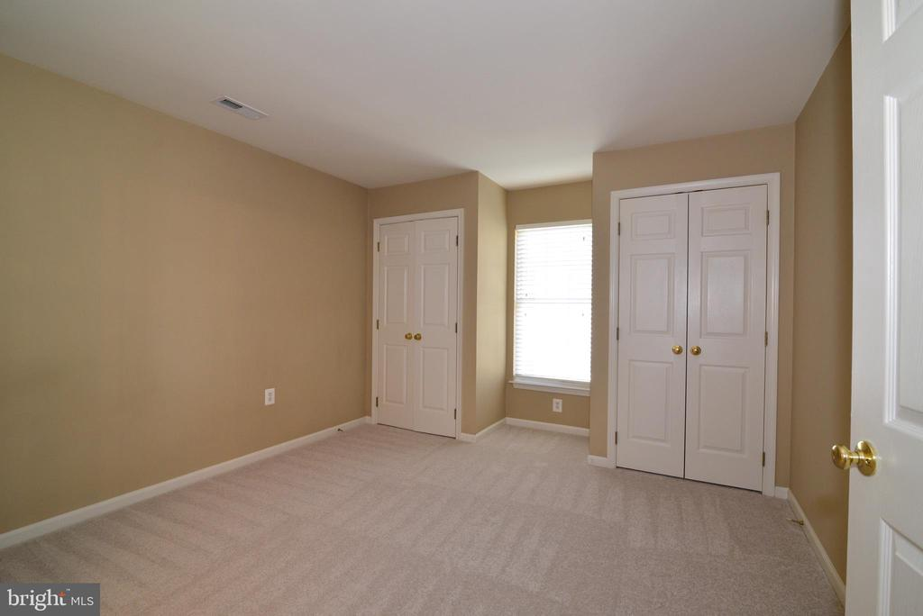3rd spacious bedroom with 2 closets - 1439 HARLE PL SW, LEESBURG