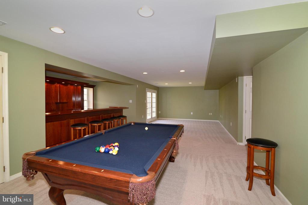 Another view of large rec room - 1439 HARLE PL SW, LEESBURG