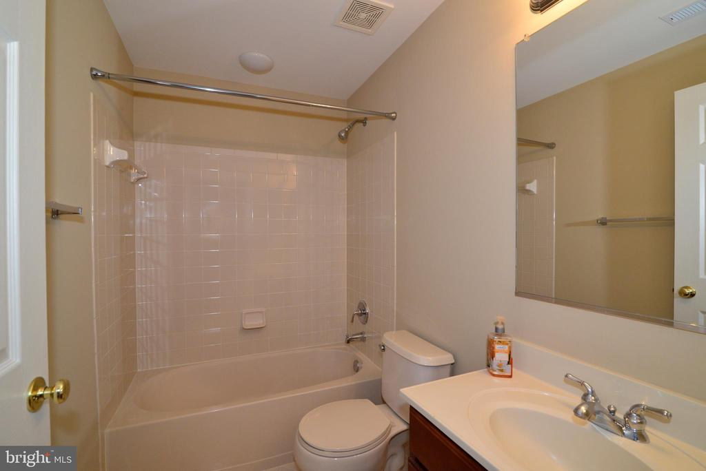 4th full bath in lower level - 1439 HARLE PL SW, LEESBURG