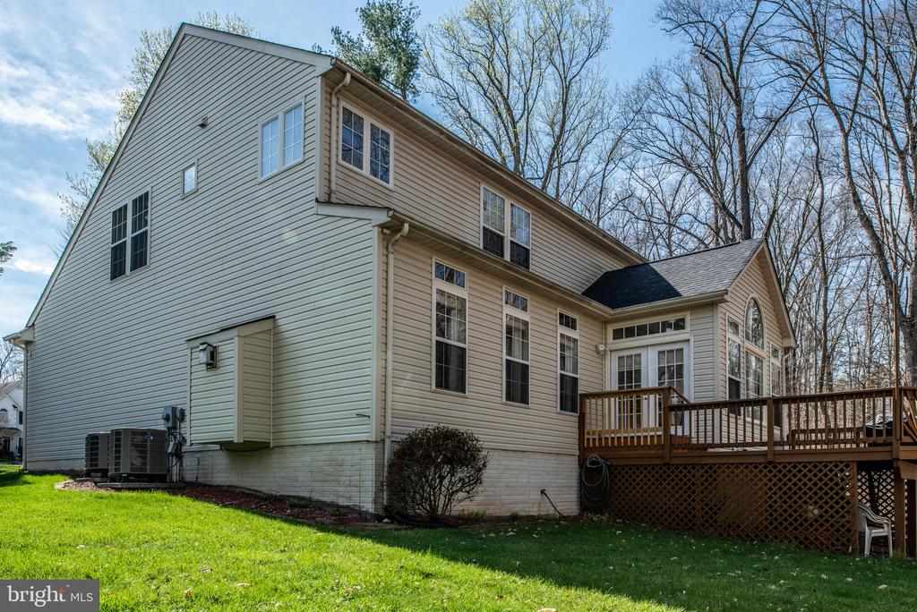 3 level beauty! Rear view - 28 FIREBERRY BLVD, STAFFORD