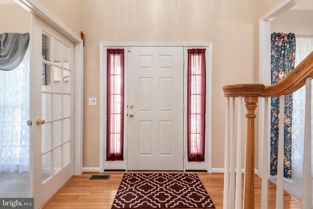 Foyer view, timer installed for exterior lighting - 28 FIREBERRY BLVD, STAFFORD