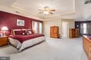 Master suite, trey ceiling, ceiling fan - 28 FIREBERRY BLVD, STAFFORD