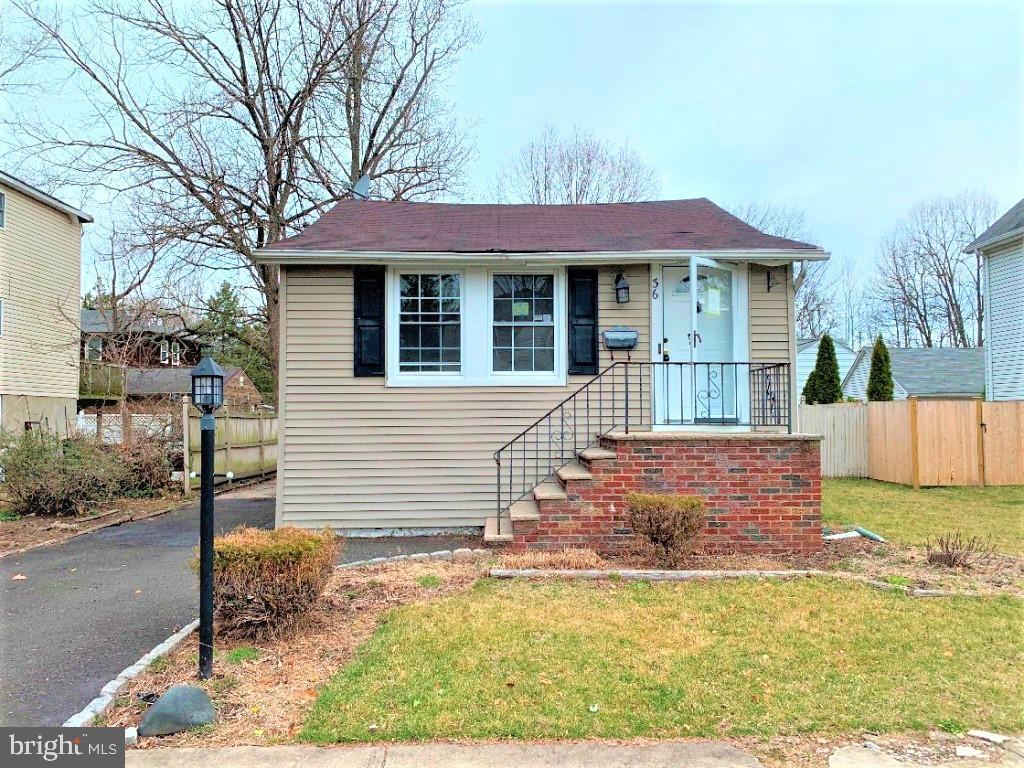 Single Family Homes для того Продажа на Hillsdale, Нью-Джерси 07642 Соединенные Штаты