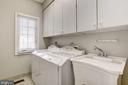 Main Level Laundry - 1423 MAYHURST BLVD, MCLEAN