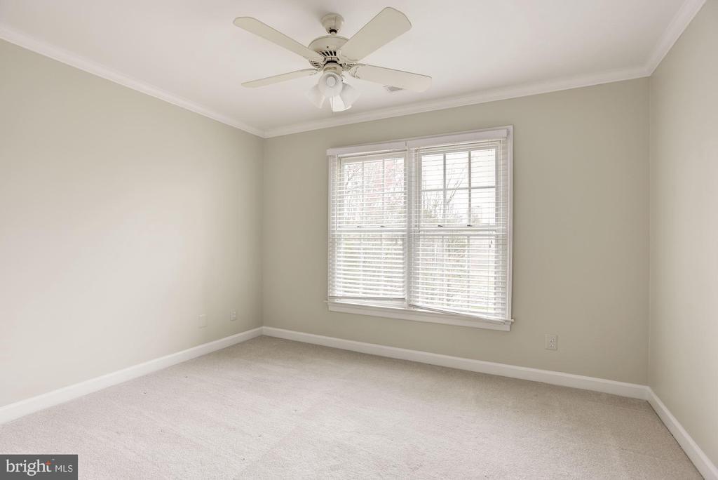 Third bedroom - 1423 MAYHURST BLVD, MCLEAN