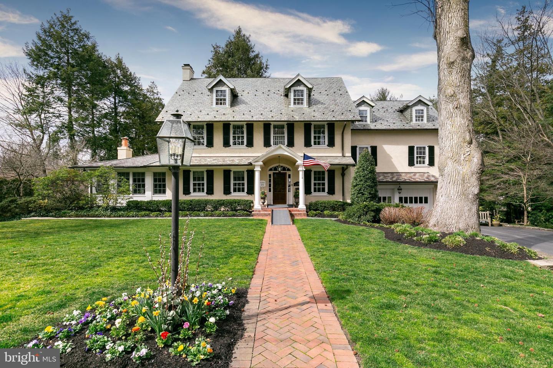Single Family Homes per Vendita alle ore 201 E OAK Avenue Moorestown, New Jersey 08057 Stati Uniti