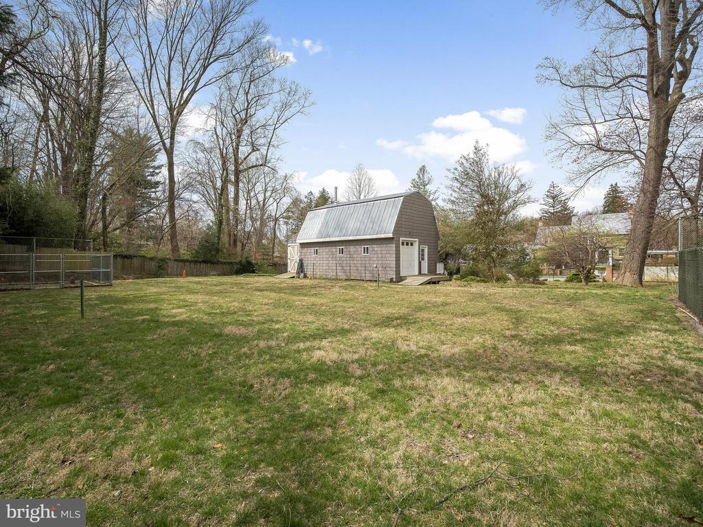 2 Story barn for hobby or play space - 915 MCCENEY AVE, SILVER SPRING