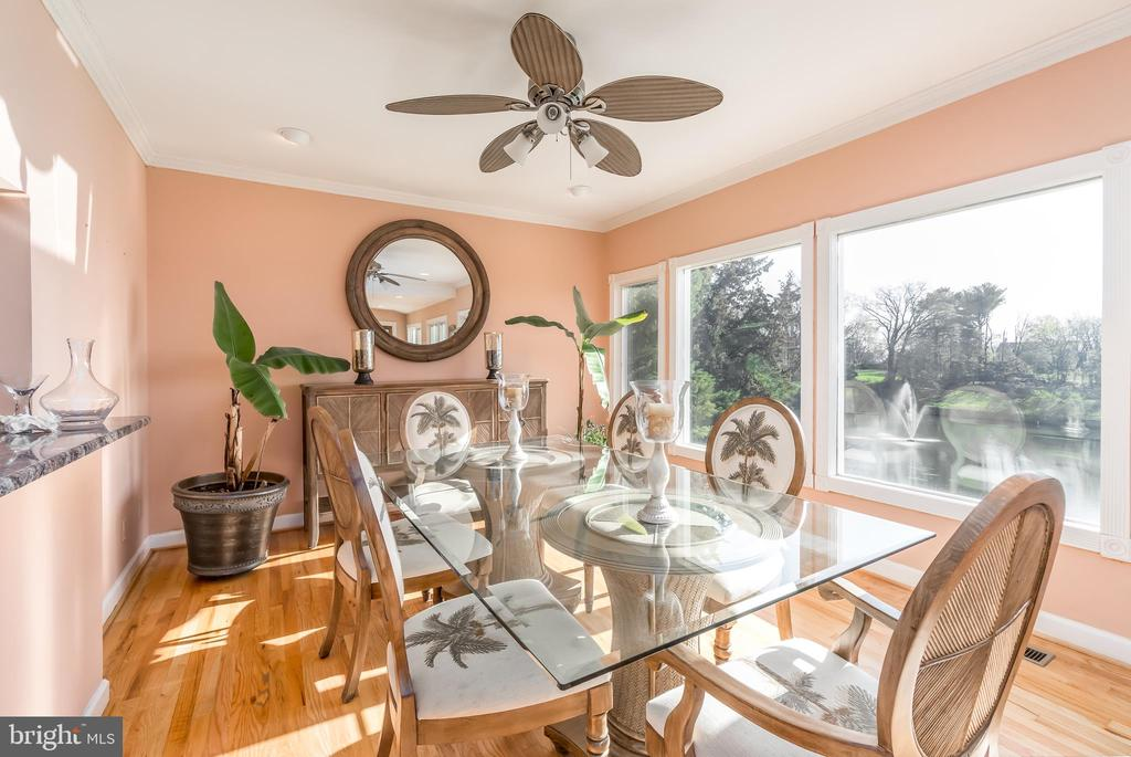 Dining & Entertaining Year Round - 37 LOUIE LN, STAFFORD