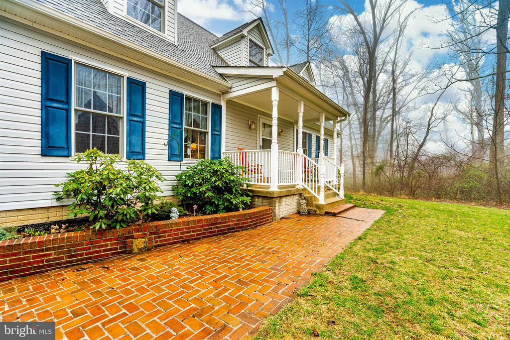 Lovely brick walk - 8354 HORNETS NEST RD, EMMITSBURG