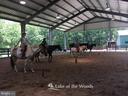 Equestrian center - 111 APPLEVIEW CT, LOCUST GROVE