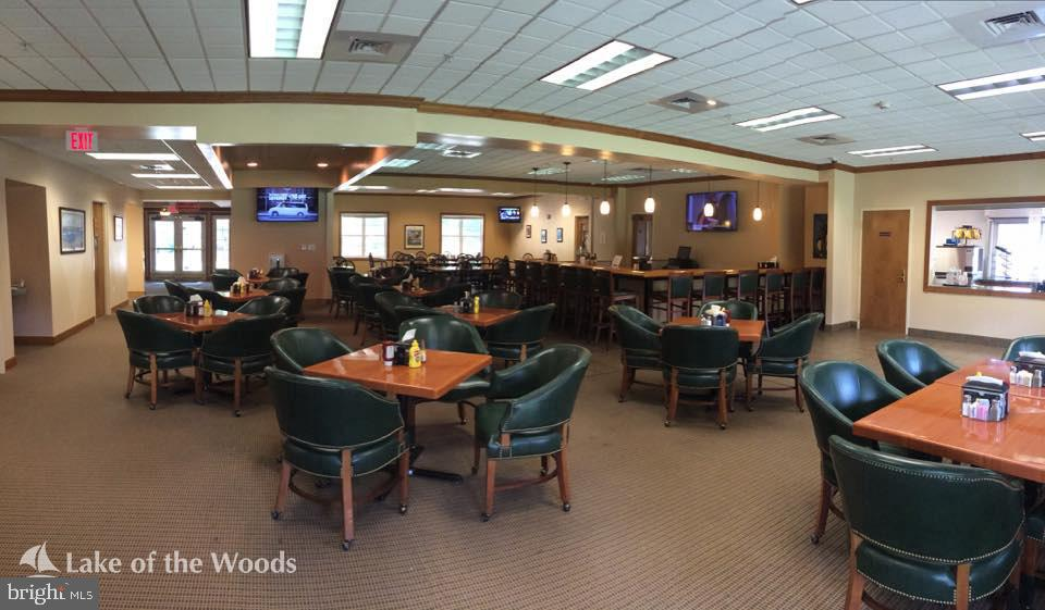 Have dinner at the clubhouse. - 111 APPLEVIEW CT, LOCUST GROVE