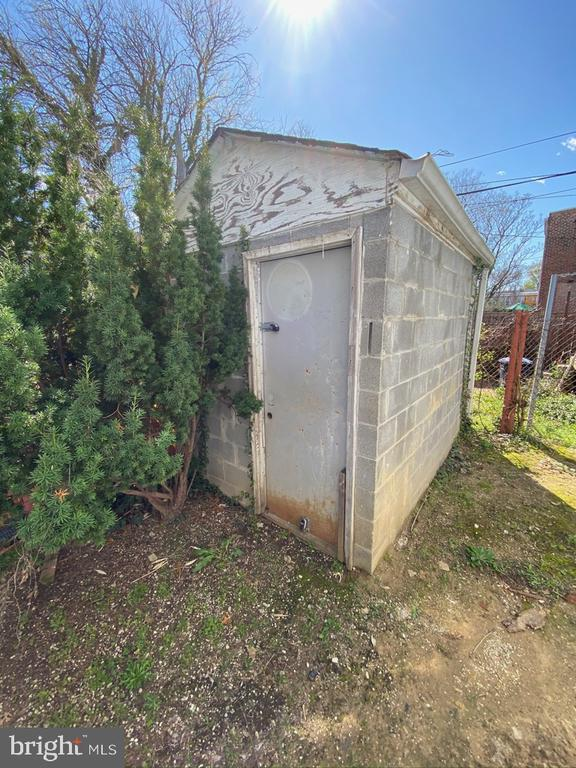 Detached shed - 1946 3RD ST NW, WASHINGTON