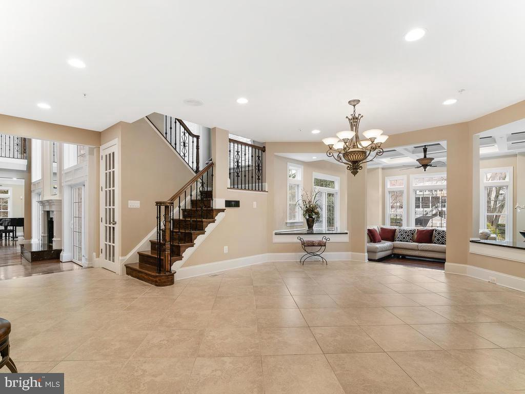 HUGE BREAKFAST ROOM AREA NEXT TO KITCHEN - 10801 WINDCLOUD CT, OAKTON