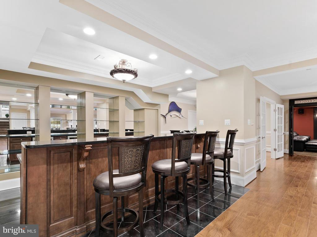 CUSTOM LARGE WET BAR(BASEMENT) - 10801 WINDCLOUD CT, OAKTON